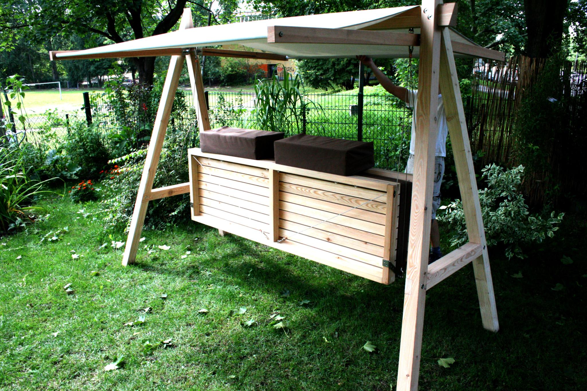 hollywoodschaukel pool22. Black Bedroom Furniture Sets. Home Design Ideas